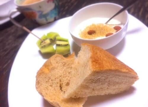 朝食に黒糖食パン
