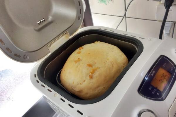 コーン食パン焼き上がり