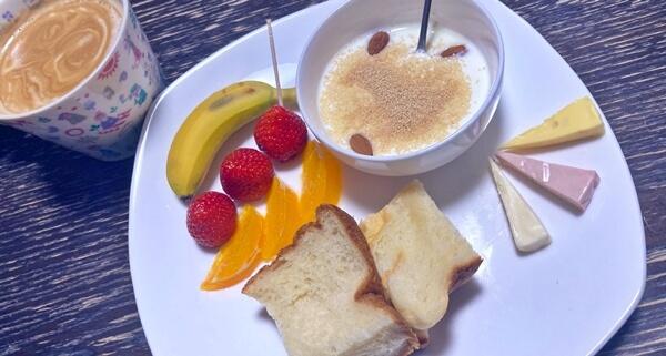 果物3種盛りの朝食